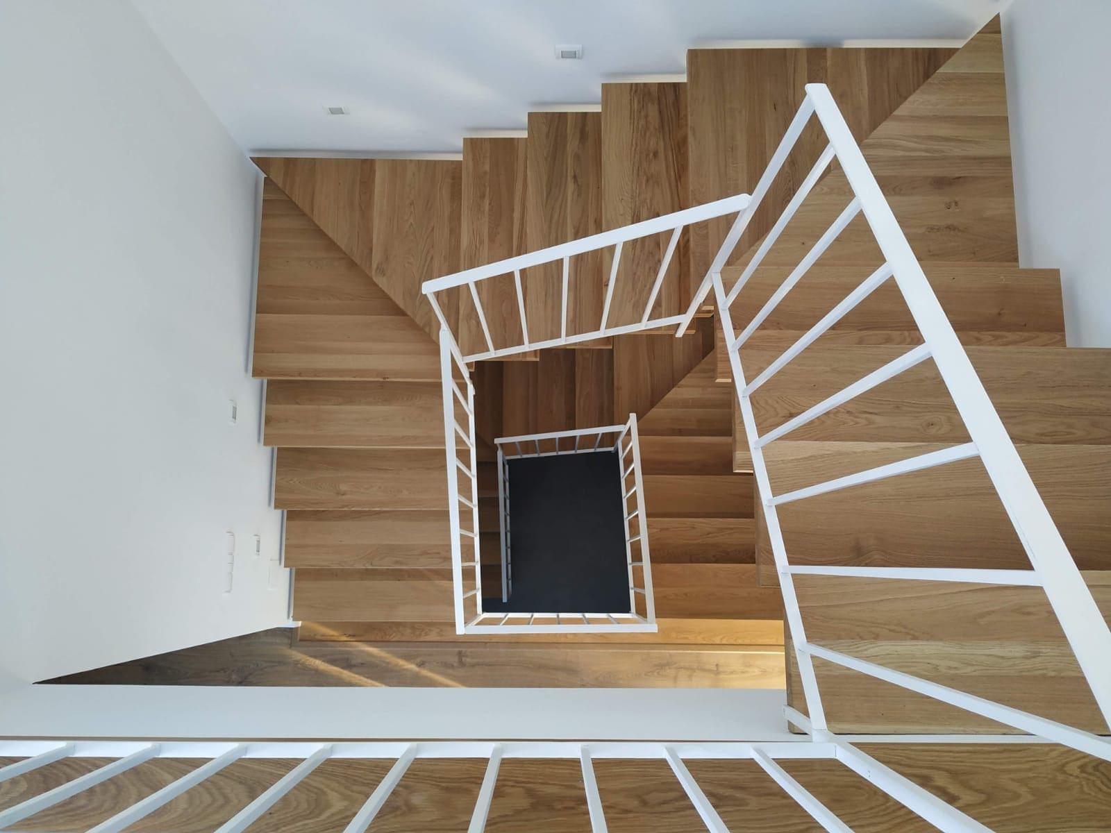 Arquitectura de escaleras - Vivienda El Palo 3
