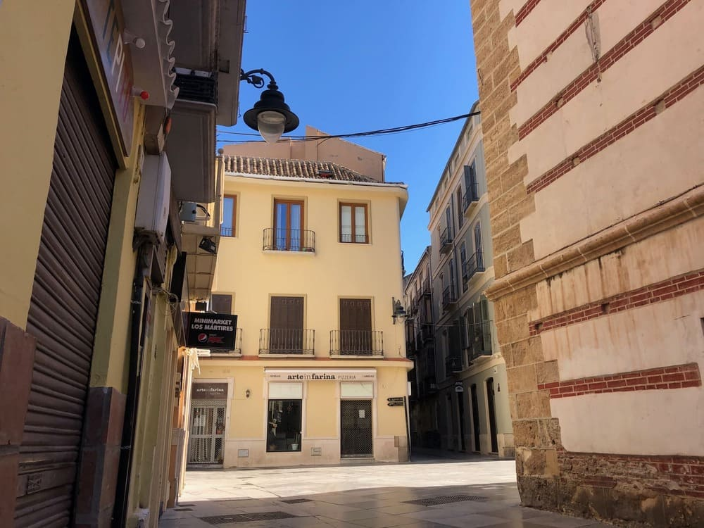 Rehabilitación de cubiertas y fachadas de Edificio en Plaza de los Mártires